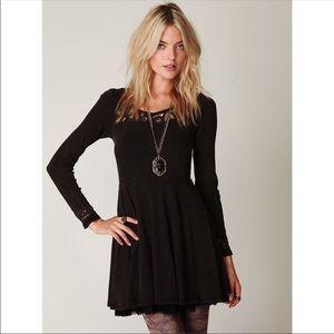 FREE PEOPLE ✨ long sleeve black lace dress